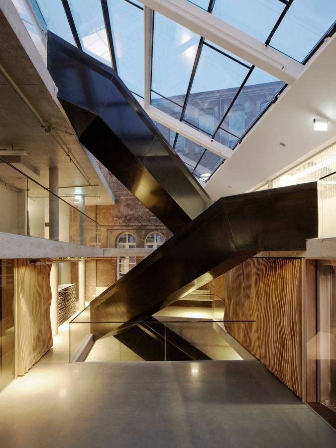 UPPER LEVEL ATRIUM - Signal Media-house - SPOL Architects