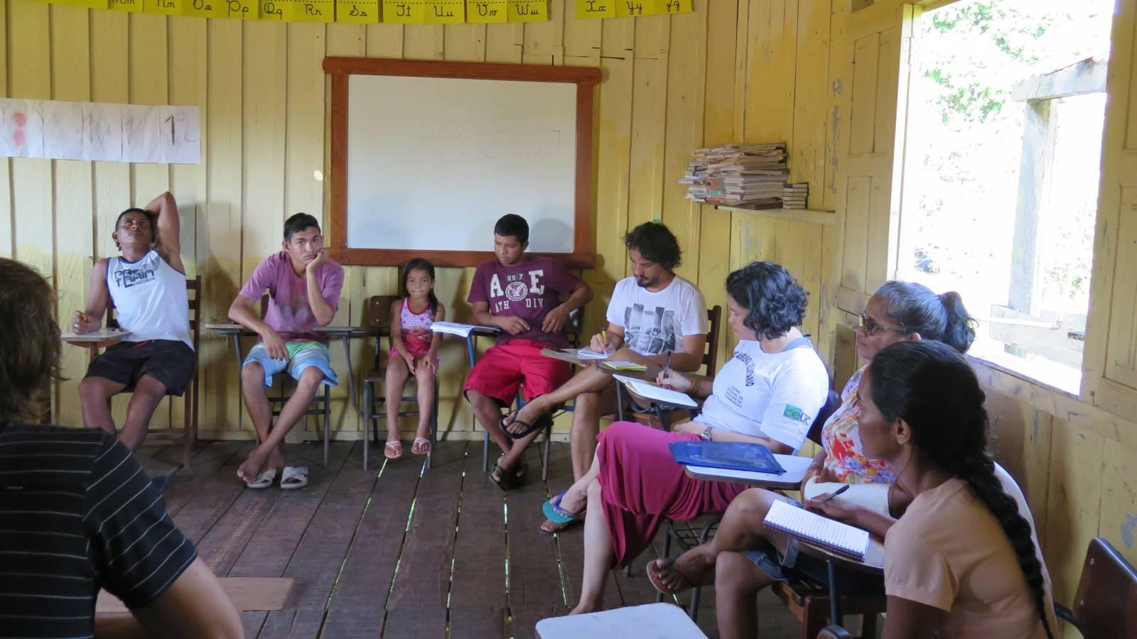 MEETING WITH LOCALS - Igapó-Açu School - SPOL Architects