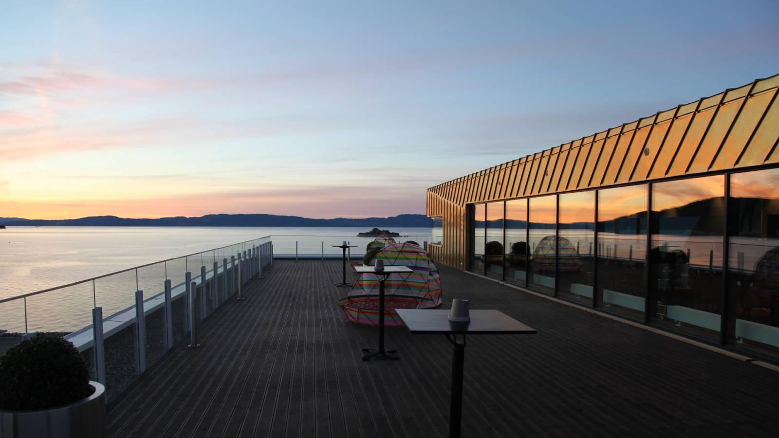 SKY BAR TERRACE - Clarion Hotel & Congress - SPOL Architects