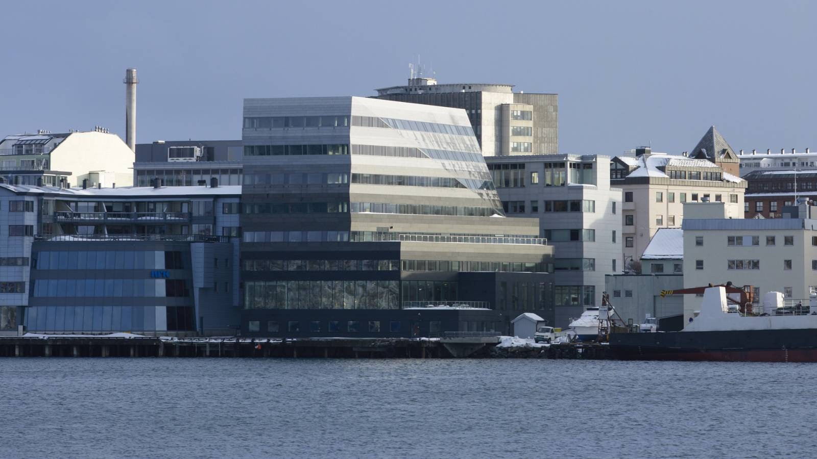 VIEW ACROSS BAY - Luftfartstilsynet - SPOL Architects
