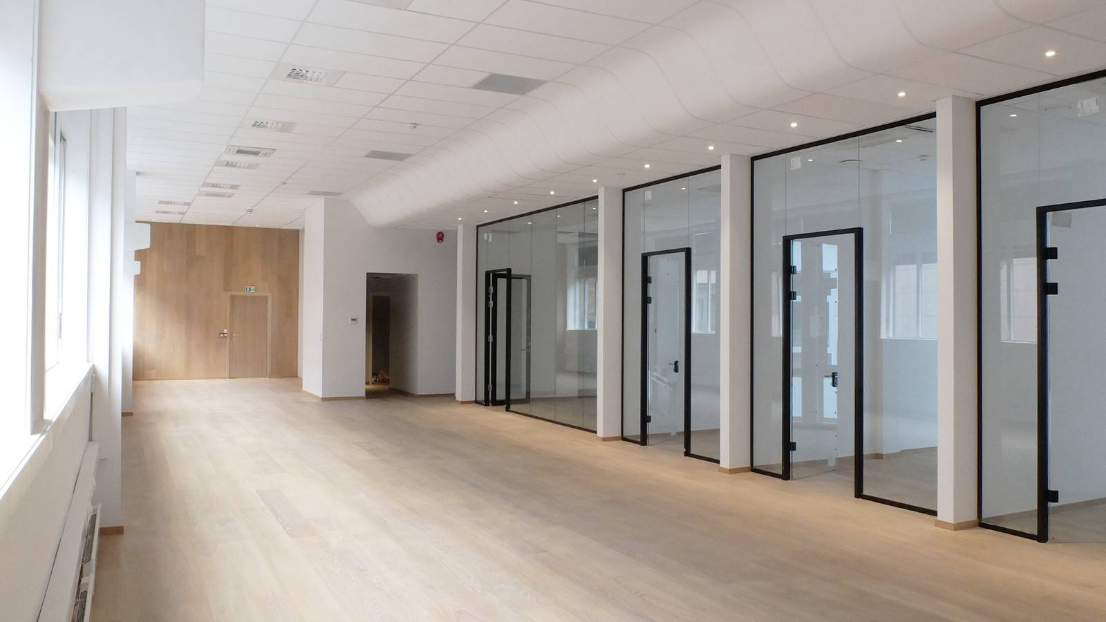 OFFICE SPACE TO LET - Frontline Offices - SPOL Architects