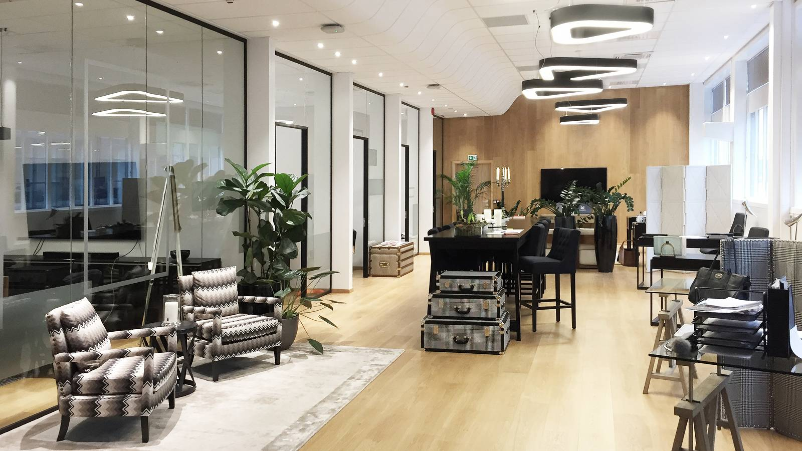 OFFICE SPACE LET OUT - Frontline Offices - SPOL Architects
