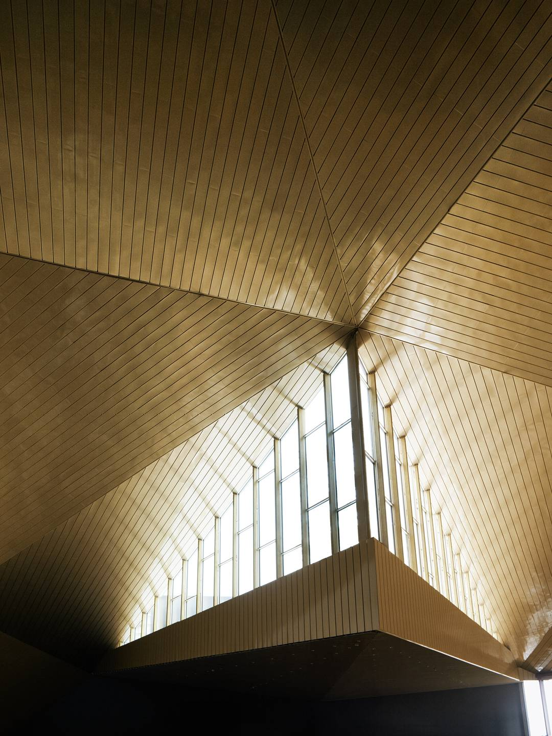 SKYLIGHT ABOVE CONFERENCE LOBBY - Clarion Hotel & Congress - SPOL Architects