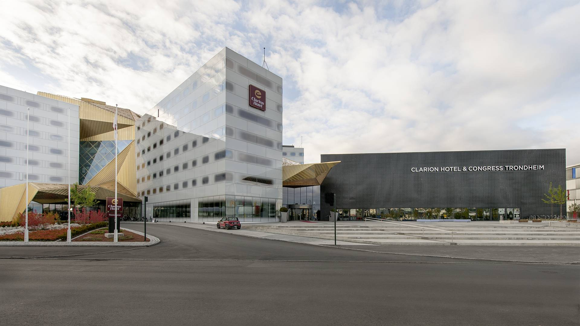FRONT VIEW - Clarion Hotel & Congress - SPOL Architects